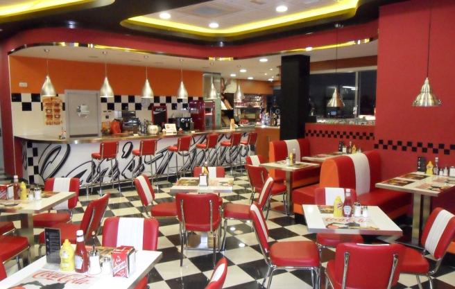 restaurante-cars-diner-4.jpg