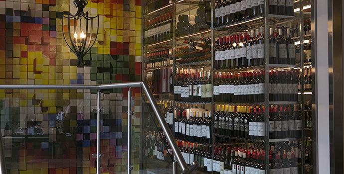 3-vinos-tapas-cocina-alicantina-restaurante-Alicante-El-Bokao.jpg