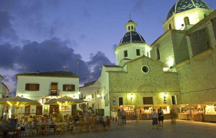 costa-blanca-altea-noche-plaza-de-la-iglesia-1000x640
