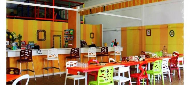 mes-que-boles-cafeteria