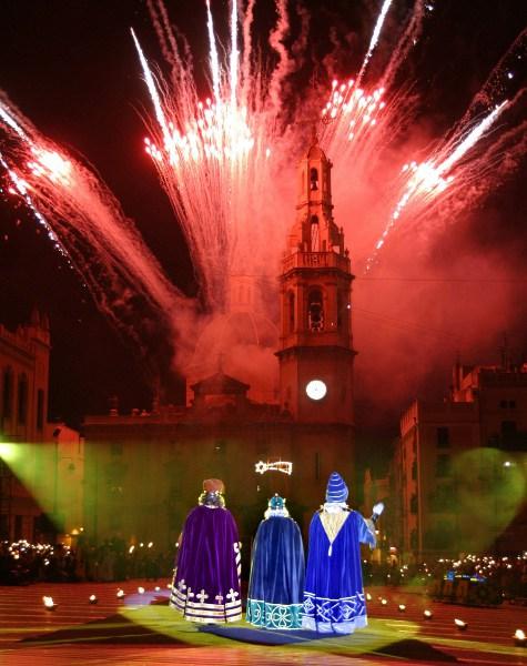 Fotos-de-Alcoy-Cabalgata-de-Reyes-Magos-adoracion.jpg